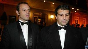 Miradas que anticipan un divorcio. La imagen, del 4 de marzo de 2004, corresponde a la primera etapa de Joan Laporta como presidente del Barça y de Sandro Rosell como vicepresidente deportivo