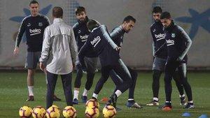 Un momento de la sesión preparatoria del FC Barcelona en la Ciutat Esportiva Joan Gamper