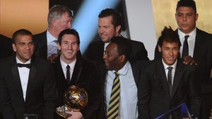 Pelé, junto a Messi en una gala de la FIFA