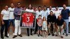 Todo el Atlético arropó a Filipe Luis en su adiós