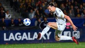 Zlatan Ibrahimovic fractura el pómulo a un rival