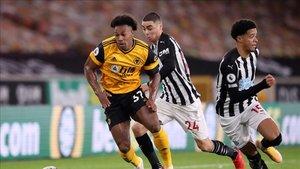 Adama Traoré en el último partido de Premier ante el Newcastle