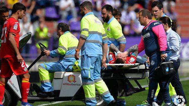 Antunes tuvo que ser sustituido tras una espeluznante lesión