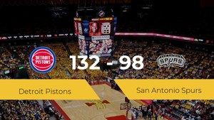 Detroit Pistons logra la victoria frente a San Antonio Spurs por 132-98