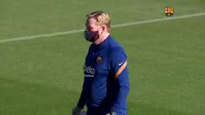 Entrenamiento conjunto del primer equipo del Barça con el B por la ausencia de los internacionales