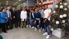 El Espanyol ha visitado a los niños del Hospital de Nens de Barcelona