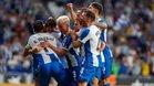 Los futbolistas del Espanyol hacen una piña tras una diana frente al Stjarnan.