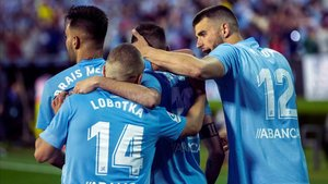 Los jugadores del Celta celebraron con efusividad el tanto de Aspas ante el Villarreal