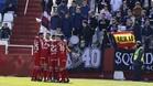 Los jugadores del Nàstic celebran el único gol en el Carlos Belmonte