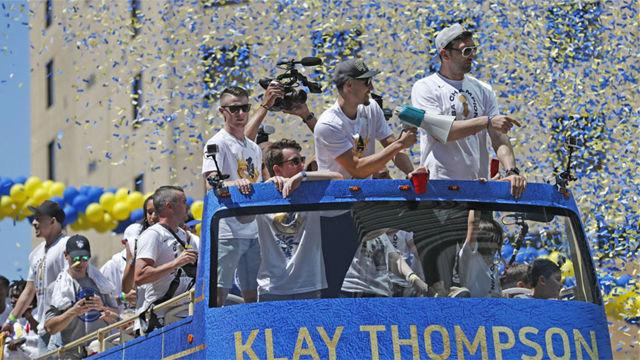 Los Warriors celebraron con su gente su tercer anillo de campeones en cuatro años
