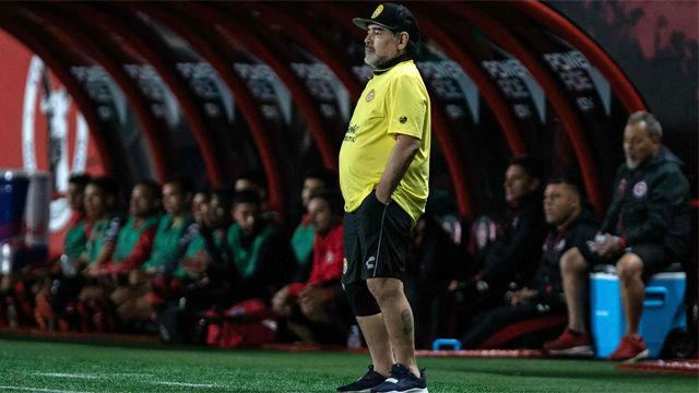 Maradona cumple 58 años y lo hace como entrenador