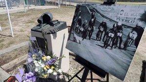 El monumento dedicado a Ángel Nieto en el circuito del Jarama