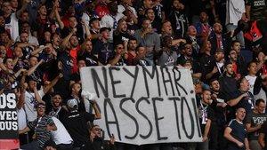 Neymar fue insultado en el PSG-NImes que abrió la Ligue 1