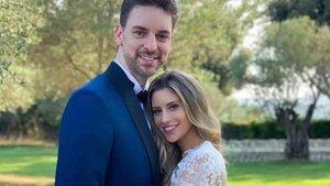 Pau Gasol y Cat McDonnell en su boda en Girona
