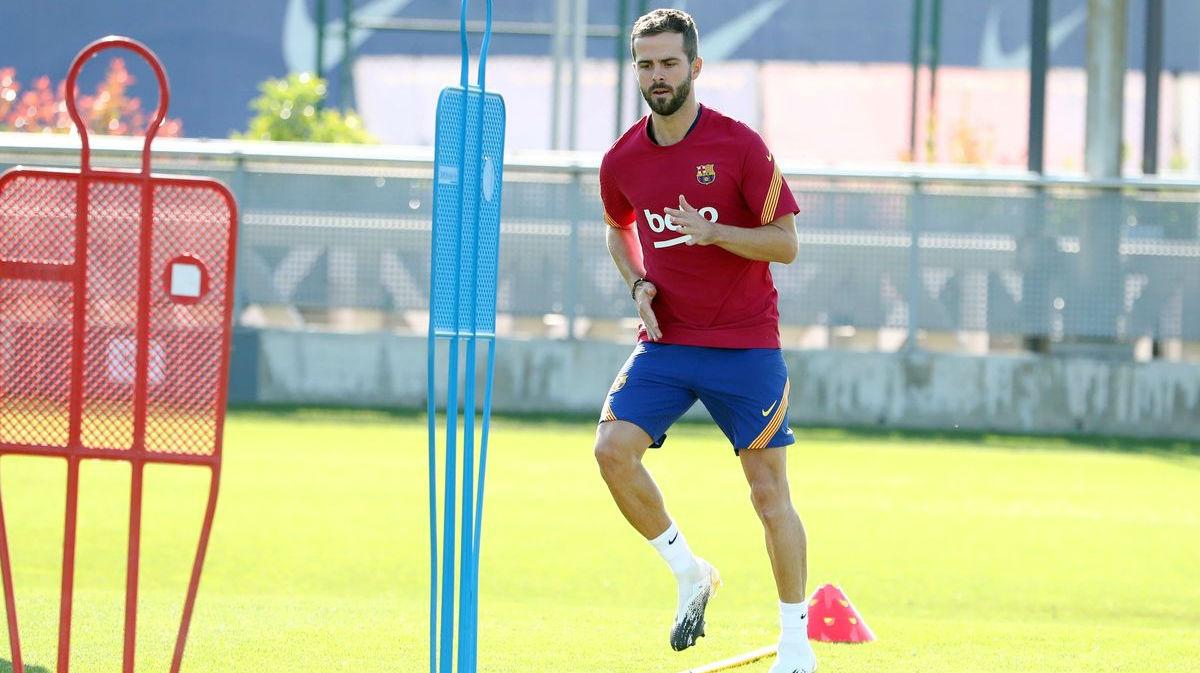 Pjanic detalla cómo salió de Bosnia con un año y creció jugando al fútbol en Luxemburgo