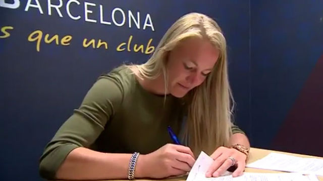 Stefanie Van der Gragt, primer fichaje del FC Barcelona Femenino