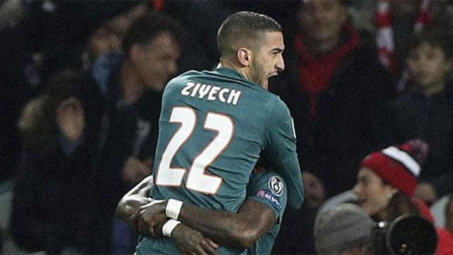 Ziyech metió pie y medio del Ajax en octavos con un gol relámpago