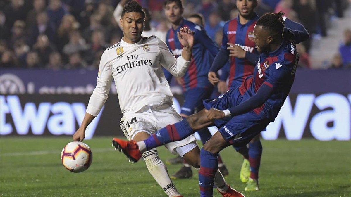 El VAR e Iglesias Villanueva mantienen vivo al Real Madrid 3f145eaeffa7e