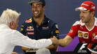 Apretón de manos entre Whiting y Vettel en Interlagos