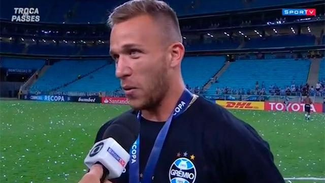 Arthur habla de la reunión Gremio-Barça