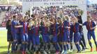 El Barça levanta el título de campeón
