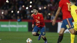Carles Aleñá, durante su debut ante Rumanía