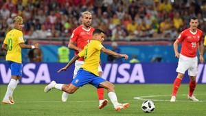Coutinho abrió el marcador, pero Brasil no pasó del empate