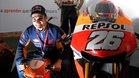 Dani Pedrosa posa junto a su Honda