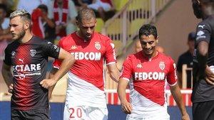 La defensa del Mónaco no acompañó la dupla Slimani-Ben Yedder
