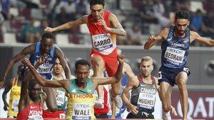 El español Fernando Carro, compitiendo en los 300m obstáculos de Doha 2019
