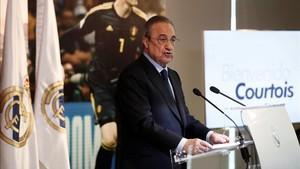 Florentino Pérez durante la presentación de Thibaut Courtois