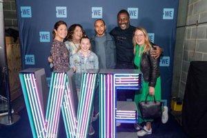 Hamilton , en el grupo de Idris Elba y Sophie Trudeau