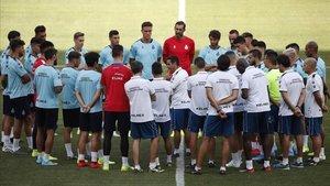 Los futbolistas del Esopanyol, en la última sesión preparatoria antes del encuentro ante el Stjarnan.