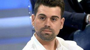 El Maestro Joao exige que su amante, Alberto, no salga en televisión