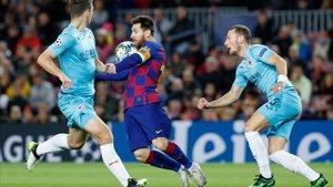 Messi estuvo muy cerca del gol en varias ocasiones