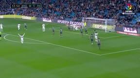 Sergio Ramos intentó engañar al árbitro tirándose en el área