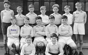 Bowie, en el equipo de su escuela