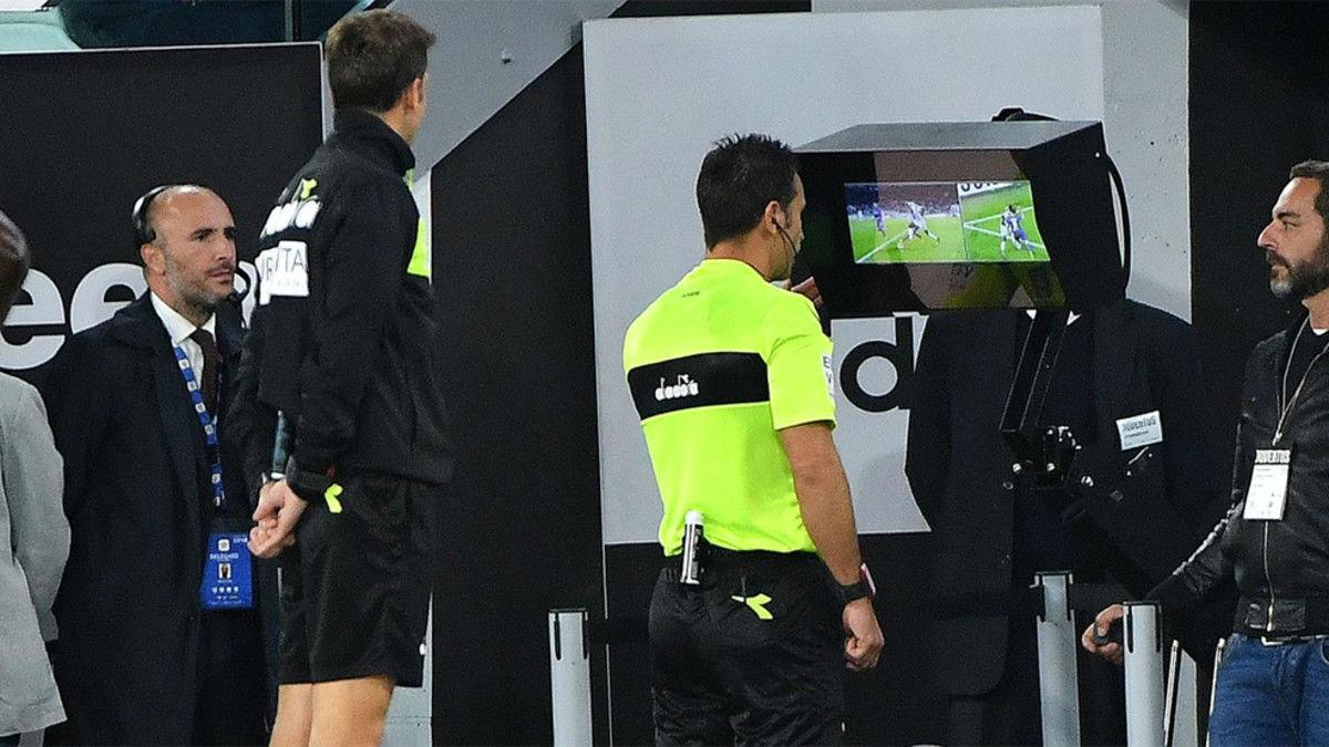 El entrenador del FCB habla sobre el nuevo sistema de arbitraje (VAR)