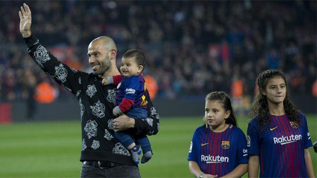 LACOPA | Barça-Espanyol (2-0) | Ovación del Camp Nou a Mascherano antes del partido