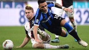 De Ligt (izquierda) no está teniendo una fácil adaptación a la Juventus