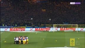 Los pelos de punta. La afición del Nantes rinde un emocional homenaje a Emiliano Sala