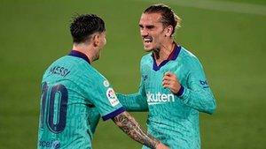 Messi y Griezmann, en el último partido ante el Villarreal