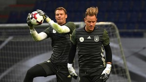 Neuer y Ter Stegen, durante un entrenamiento