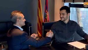 Pau Bargalló firmó junto a Toni Miró