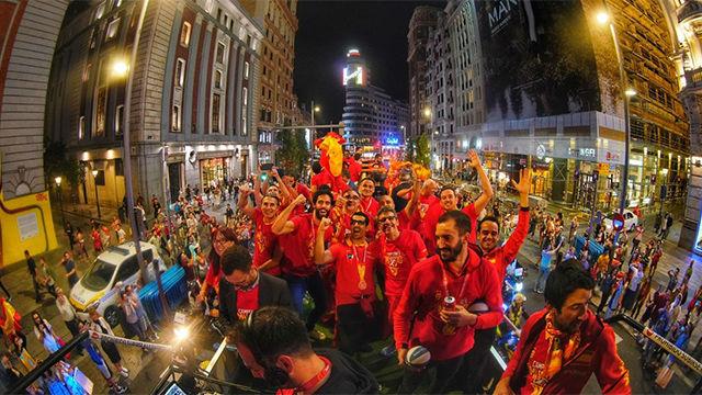 La selección celebra por todo lo alto el Mundial en Madrid con la afición