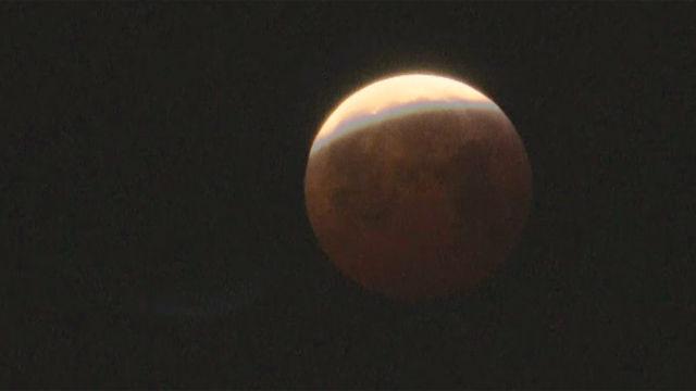 La superluna de sangre se ha visto en España y toda América
