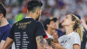 Tamara Gorro felicita a Ezequiel Garay por la Copa del Rey con un apasionado beso | Okdiario