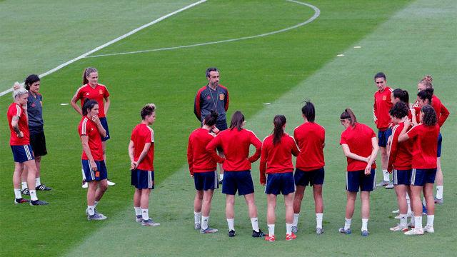 Último entrenamiento de la selección femenina antes de medirse a China