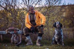 Un cazador dispara, arrastra y golpea a su perro en Lugo