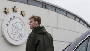 Frenkie De Jong debe decidir dónde seguirá su carrera cuando deje el Ajax